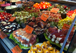 weekend in Vienna Delicatessen at Naschmarkt Fingerfood delicious