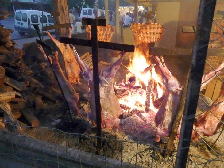 bbq local food and customs culture argentinien